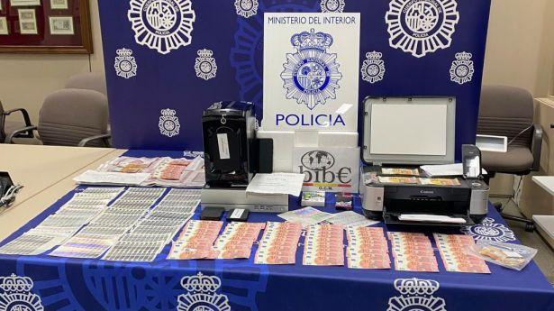 Detenido un menor por la fabricación y venta de billetes falsos de 10, 20 y 50 euros a través de Internet