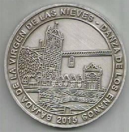 'Medalla 'Bajada' y los enanos 'Danzarines' de Santa Cruz de La Palma'
