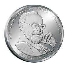 13.9.2011. Medalla para el centenario del príncipe Bernardo de Holanda