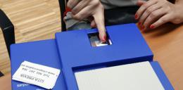 La renovación del DNI o el pasaporte seguirá pagándose en efectivo en las comisarías