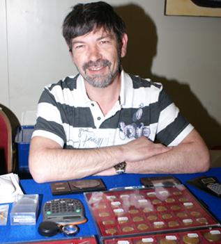 """1.9.2011. Juan Carlos Miró, numismático profesional, en """"Punto de Encuentro"""""""