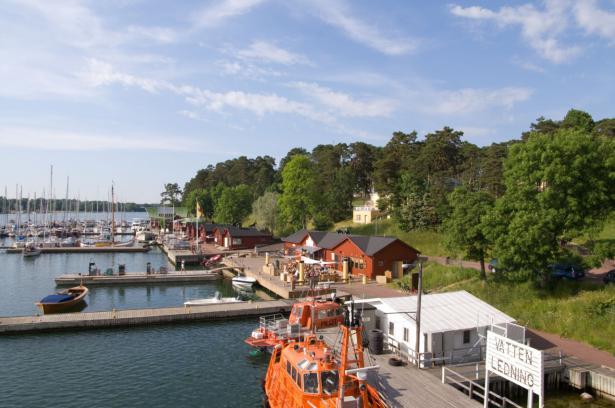 Finlandia rinde homenaje al centenario del autogobierno de la región de Åland