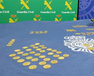 Aparecen 237 monedas de oro en el derribo de una casa en Valladolid