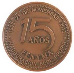 Medalla conmemorativa: 15 años con sede propia