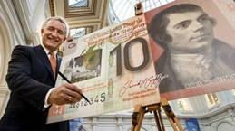 Primer billete de 10 libras en polímero para el poeta escocés Robert Burns