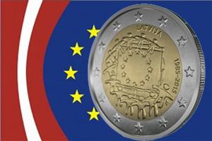 Letonia y la bandera de la Unión Europea