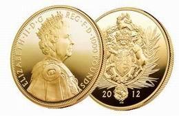 El Jubileo de Diamantes de Isabel II en un kilo de oro