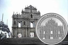 """""""Año de la Serpiente"""" 2013 y Catedral de San Pablo en Macao"""
