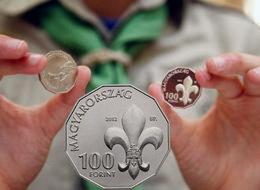 100 forintos para el Centenario de la Asociación de Scouts de Hungría