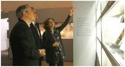 El delegado territorial de la Junta en Valladolid, Mariano Gredilla, y la directora del Museo de Valladolid, Eloisa Wattenberg.