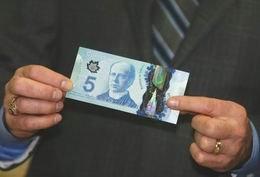 El ferrocarril y la tecnología espacial temas de los nuevos polímeros de 5 y 10 dólares canadienses