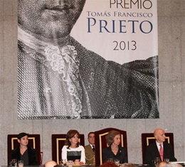 La Reina Sofía entregó a la escultora Cristina Iglesias el XXIV Premio Tomás Francisco Prieto
