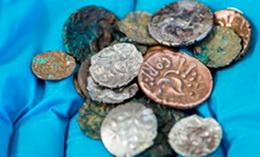 Descubrimiento británicode monedas romanas republicanas y de la Edad de Hierro